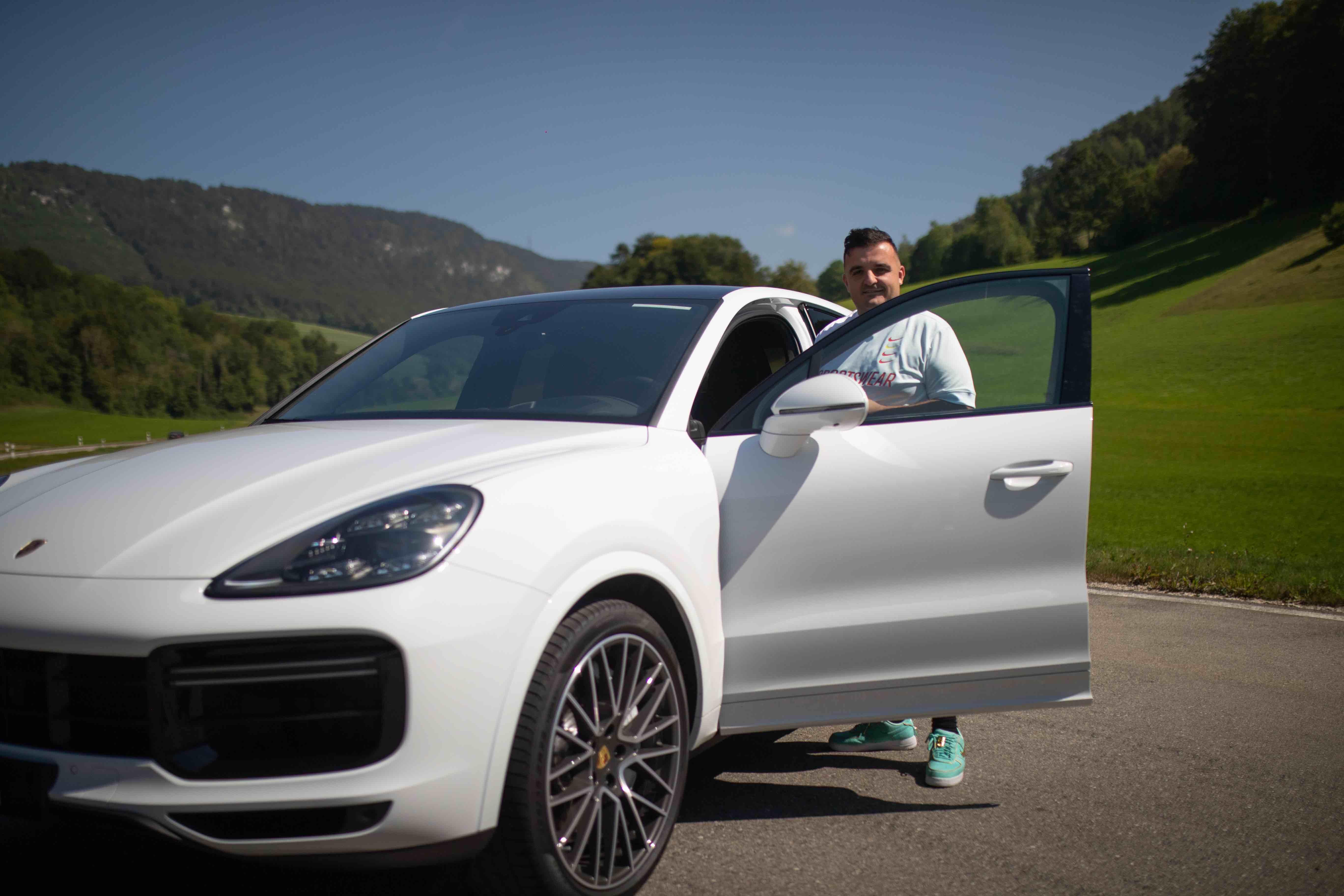 MET 300 - Porsche Cayenne Coupe